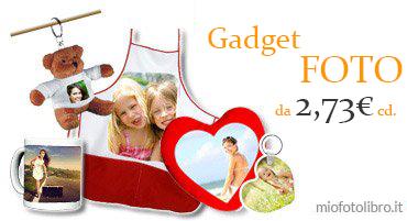 tazza, portachiavi, grembiule, zaino, cuscino cuore e tanti gadget con foto, idee regalo
